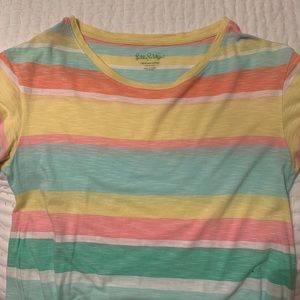 Lilly Pulitzer Tops - Lilly Pulitzer Women's Tee size Medium